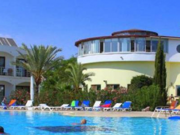 Crystal Rocks Holiday Resort *** Famagusta
